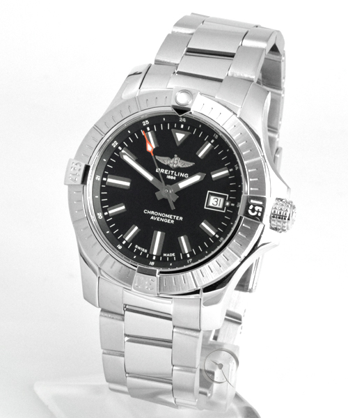 Breitling Avenger Automatic 43 - 24,1% saved*