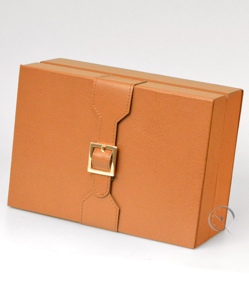 Watch box with additional compartment