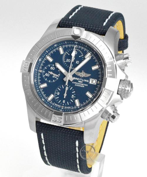 Breitling Avenger Chronograph 43 - 21,6% saved*