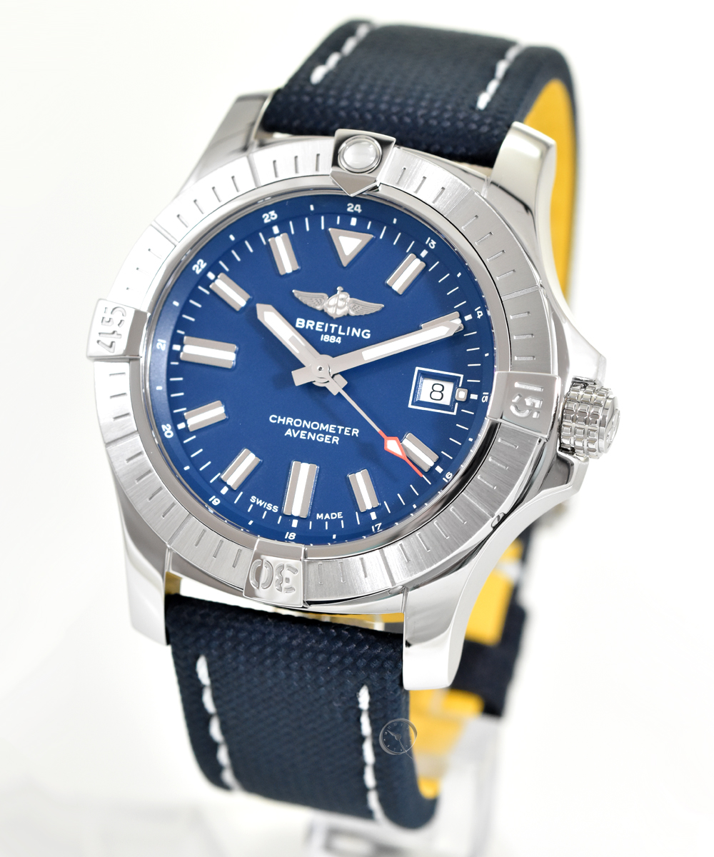 Breitling Avenger Automatic 43 - 22,1% saved!*